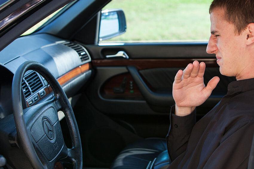 Основные причины горелого запаха в салоне автомобиля